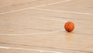 basketball_auf_parkettboden_sportparkett